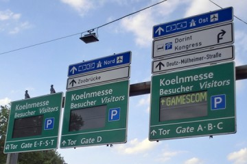 GAMESCOM announced on a digital ROAD SIGN! =o