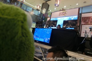 Mini IceFrog watching some SC2 action