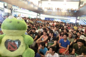 Mini IceFrog with the crowd @ PGF 2011!